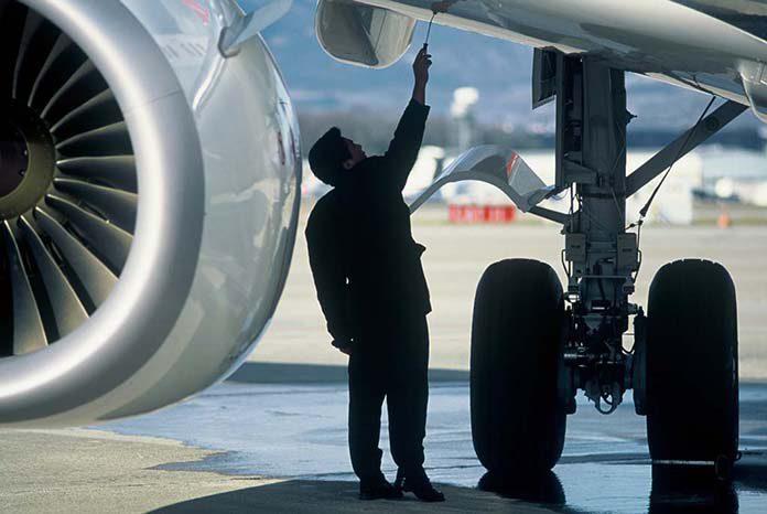 DÍA DEL TÉCNICO AERONÁUTICO – Aviones.com